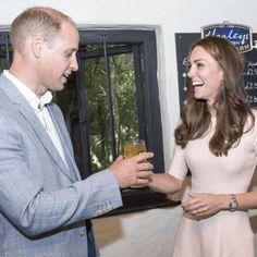 #KateMiddleton e #William in visita in Cornovaglia (tra sorrisi e bicchieri di sidro)