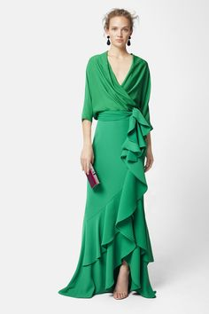 This dress is indeed a show stopper! both sassy and swanky a gorgeous green maxi wrap dress with a cascading ruffle that flows from waist top to bottom . Source by mariaont Kleider Elegant Dresses, Pretty Dresses, Beautiful Dresses, Formal Dresses, Wrap Dresses, Robes Glamour, Dress Skirt, Dress Up, Crepe Skirts