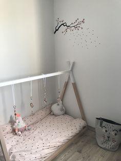 Tipi d'eveil chambre bébé