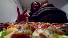 AbanCommercials: DiGiorno TV Commercial  • DiGiorno advertsiment  • Así lo ve DiGiorno - Pizza • DiGiorno Así lo ve DiGiorno - Pizza TV commercial • Así lo ve DiGiorno: Sólo una pizza calientita y crujiente recién salida del horno eleva la ocasión para que tus amigos y familiares disfruten cada momento.