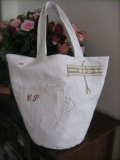 Chez Zéphirine - Page 13 - Chez Zéphirine Creation Couture, Linen Bag, Creations, Shabby, Reusable Tote Bags, Crafts, Wallets, Decoration, Inspiration