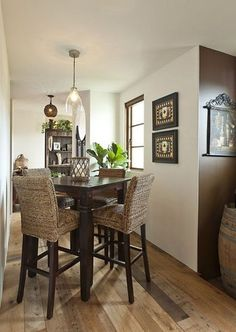 46 Impressive Rattan Chair Design Ideas For Small Dining Room Small Kitchen Tables, Small Tables, Small Pub Table, Small Dining Sets, High Top Table Kitchen, Small Kitchens, Small Living, Jofran Furniture, Pub Table Sets