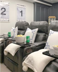 Cinema Room Decor Ideas On Any Budget - Ideas & Inspo Theatre Room Seating, Theater Room Decor, Home Theater Room Design, Movie Theater Rooms, Home Cinema Room, Game Room Decor, Movie Rooms, Theatre Rooms, Media Room Seating