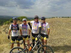 PUCELA BIKERS de Valladolid disfrutando de una gran ruta con sus nuevas prendas ciclistas fabricadas por www.FasterCyclingWear.com