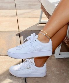 Sneakers For Women 2019 : Coin Anklet / Dainty Gold Anklet / Dainty Silver Anklet / Gift Idea / Birthday Idea / Gold Silver Disc Anklet / Gold Chain Anklet Moda Sneakers, Best Sneakers, Sneakers Fashion, Fashion Shoes, Summer Sneakers, White Puma Sneakers, Womens White Sneakers, White Sneakers Outfit, White Platform Sneakers