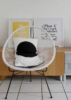 der Neue #interior #interiorideas #einrichtung #einrichtungsideen #deko #dekoraktion #decoration #zimmer #room #living #retro #white #chair #acapulco Foto: aberdeen