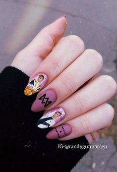 Fun Nails, Hair And Nails, Nail Designs, Make Up, Nail Art, Celebrities, My Style, Black Butler, Jogger Pants