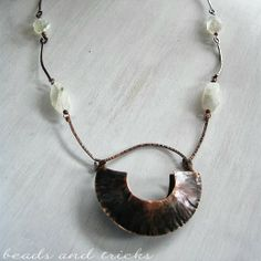 """Foldforming, copper and moonstone    Handmade by Beads and Tricks ~ it's in Italian unless you've got the """"translate"""" button at the top, but she's good!"""