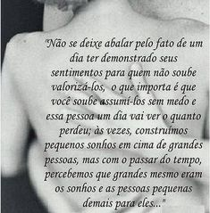 Maior verdade... Positive Words, Beauty Quotes, Favorite Quotes, Tattoo Quotes, Poems, Positivity, Thoughts, Humor, Mary