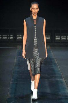 Helmut Lang Fall 2014 Ready-to-Wear Fashion Show - Grace Mahary