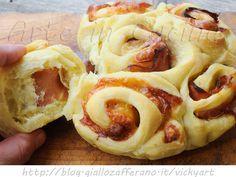 Torta di rose al prosciutto e scamorza ricetta facile