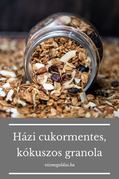 Egészséges reggeli - Házi cukormentes, kókuszos granola, amit egész héten enni akarsz majd Sweet Recipes, Whole Food Recipes, Healthy Dishes, Healthy Recipes, Warm Food, 300 Calories, Health Eating, Granola, Food Gifts