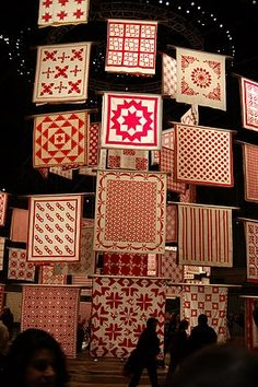 Oh my. I think I just died and ended up in quilt heaven.