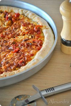 Lenten pizza (in Greek) Pizza Recipes, Vegetarian Recipes, Cooking Recipes, Greek Cookbook, Meals Without Meat, The Kitchen Food Network, Sour Foods, Savory Muffins, Savoury Pies