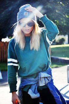 Sweatshirt, beanie and denim #tomboy