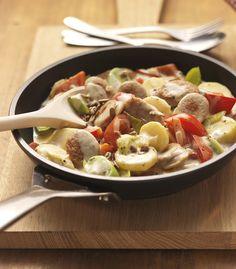 Ein winterliches Gericht mit Kartoffeln, Porree und Paprika Pasta Salad, Cobb Salad, Potato Salad, Food Porn, Veggies, Meat, Chicken, Cooking, Ethnic Recipes