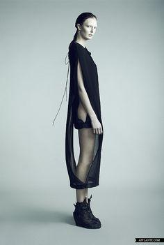 'Fragile Fetus' Fashion Collection // Tanne Vinter   Afflante.com