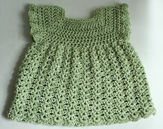 Cute baby dress size 0-3 months. Very easy to make and customize. free pattern