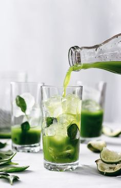 Vitamin Rich Super Green Juice - Cupful of Kale vegan smoothies for weight loss fat burning juicing recipes Smoothies Vegan, Avocado Smoothie, Smoothie Recipes, Cleanse Recipes, Green Smoothies, Banana Recipes, Drink Recipes, Healthy Detox, Healthy Juices