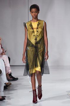 Calvin Klein | Ready-to-Wear - Spring 2018 | Look 64