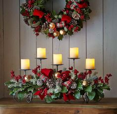 Coastal-Christmas-Decorating-Ideas-With-Wall-of-Wood.