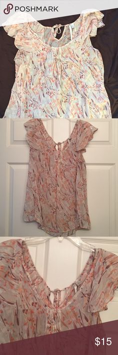 Lauren Conrad Print Shirt Short sleeve LC shirt with keyhole tie neck in the back. Nice ruffle detail on the sleeves. Only worn a few times. Can throw a coral cardigan over it for cooler nights. LC Lauren Conrad Tops Blouses