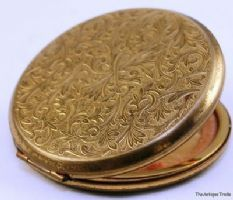 1950s Vintage Stratton made in England powder compact yellow metal