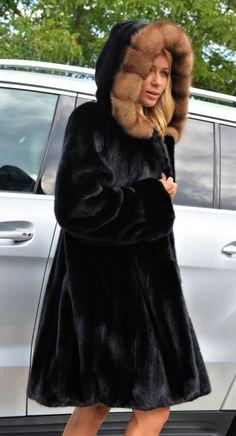Nadire Atas on Luxurious Fur Fashion mink furs - blackglama mink coat with russian sable fur Astrakhan Coat, Hermes Kelly Bag, Fabulous Furs, Mink Fur, Fur Fashion, Beautiful Outfits, Parka, Goodness Sake, Vintage Fashion