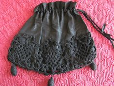 VINTAGE VICTORIAN CROCHETED MOURNING DRAW STRING BLCK PURSE