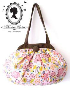 Mala de mão em tecido exclusivo para princesas!  *  Fabric handbag exclusive to princesses!