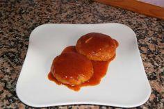 """""""Hamburguesas de bacalao y gambas en salsa"""" http://qurico.blogspot.com.es/2015/02/hamburguesas-de-bacalao-y-gambas-en.html"""
