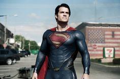 Homens lindos , fortes e valentes! Eles existem no cinema! E assim, está montado um maravilhoso clichê, que nos serve muito bem quando queremos nos divertir com alguns colírios sendo super heróis, pois, afinal somos mulheres e, adoramos deuses, sejam