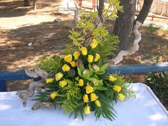 Δεξιωση γαμου στολισμός στο τραπέζι.φρέσκα άνθη με θαλασσόξυλα..Δεξίωση | Στολισμός Γάμου | Στολισμός Εκκλησίας | Διακόσμηση Βάπτισης | Στολισμός Βάπτισης | Γάμος σε Νησί & Παραλία.Driftwood Centerpiece, Driftwood Candle Holder