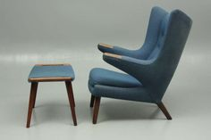 The papa bear n stool in rosewood. Design Hans Wegner. Production AP Stolen,mid 1950s.
