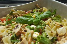 Mozzarella - Nudel Salat, ein schmackhaftes Rezept aus der Kategorie Gemüse. Bewertungen: 40. Durchschnitt: Ø 4,4.