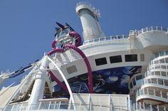 E' una calda e bella giornata autunnale quella che ha accolto alla Spezia Harmony of the Seas, il nuovo gigante dei mari di Royal Caribbean Inter