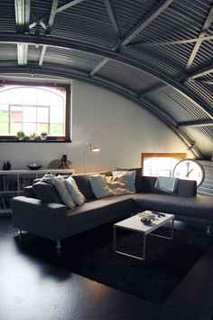 More ideas below: Modern quonset hut homes Living Rooms Spaces Construction Projects Corrugated Meta Design Salon, Deco Design, Interior Architecture, Interior And Exterior, Architecture Models, Exterior Design, Modern Interior, Home Living Room, Living Spaces
