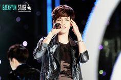 12.05.10 Yeosu World Fair 2012 (Cr: baekhyun stage: byunbaekhyun.com)