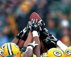 Green Bay Packers Huddle Picture at Green Bay Packers Photo Store