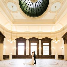 Step into early 20th-century glamour. Exchange vows under the opulent glass dome of @thegibbesmuseum. Host your reception in the classical…