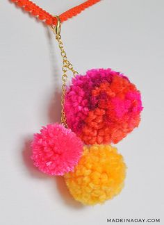 How to make a cute large pom pom key chain to dress up your purse, keys or decor! Super cute trendy craft. Clear instructions on how to use the Clover Pom Pom maker. DIY Pom Pom Key ring, pom pom key fob, yarn keychains, bag charm, how to make multicolor poms #pompom #keyfob #keychain