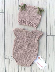Newborn photo props newborn set Onesie hat di RobertaCreations