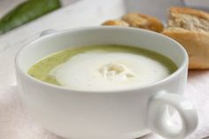 Zucchini cream soup – recipe - My CMS Cream Soup Recipes, Summer Recipes, Cheeseburger Chowder, Natural Health, Low Carb, Tableware, Ethnic Recipes, Food, Zucchini Soup