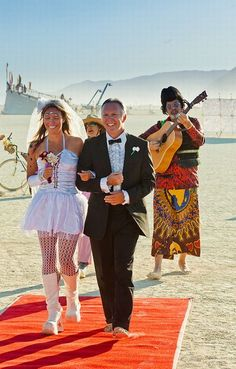 This is awesome!!!! A Burning Man Wedding!!!!