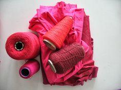 http://1.bp.blogspot.com/-aGatznMnSzA/Ukf5vL015KI/AAAAAAAAETc/2GCQqs9iPNI/s1600/01+tunieken+in+kleurnuances+rood.jpg
