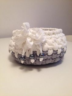 C - handcrafted in Italy Diy Crochet Basket, Crochet Bowl, Crochet Basket Pattern, Love Crochet, Knit Crochet, Crochet Patterns, Crochet Crafts, Crochet Projects, Cotton Cord
