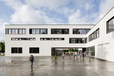 Image 5 of 11 from gallery of Martin Luther School at Rimbach / GMP. Courtesy of GMP