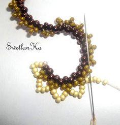 Jak obiecałam, stworzyłam foto-warsztacik po pleceniu oglaly. Żeby lepiej było widać, użyłam różne rozmiary i kolory koralików. Liczę na w... Beading Patterns Free, Seed Bead Patterns, Beading Projects, Beading Tutorials, Beaded Earrings, Beaded Bracelets, Ruffle Beading, Beaded Jewelry Designs, Beaded Ornaments