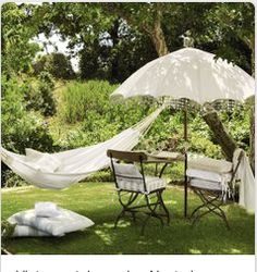 Looking for vintage garden design ideas? Take a look at Housetohome's guide to creating a vintage country garden with shabby chic garden furniture and vintage garden accessories. Garden Hammock, Outdoor Hammock, Outdoor Rooms, Outdoor Living, Outdoor Decor, Hammocks, Hammock Bed, Hammock Ideas, Hanging Hammock