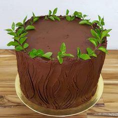 bolo de chocolate trufado vegano Instagram, Cake, Desserts, Food, Chocolate Truffle Cake, Decorating Cakes, Tailgate Desserts, Deserts, Kuchen